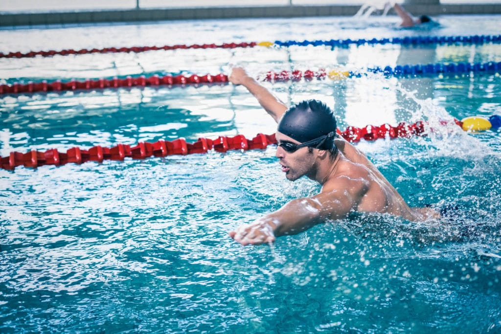 nuotatore stile libero